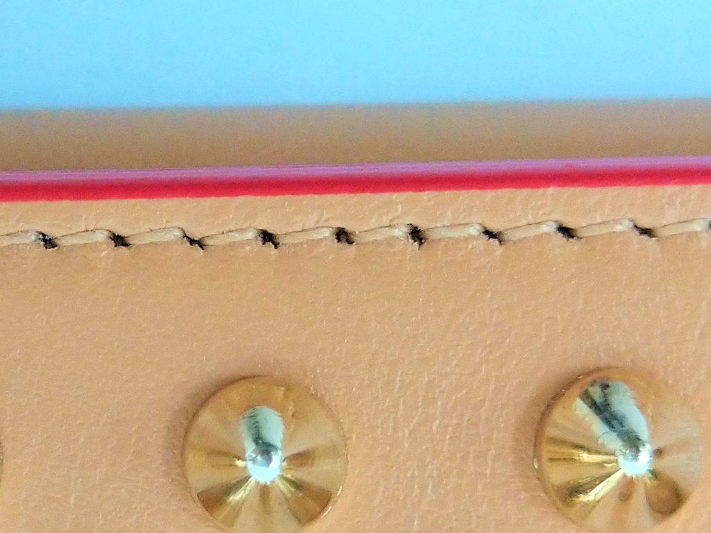 ルブタン本物の縫製
