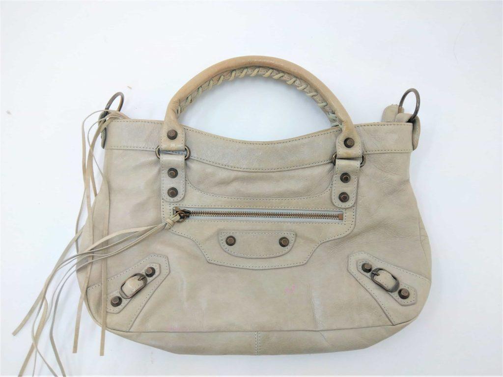 バレンシアガ偽物のバッグ