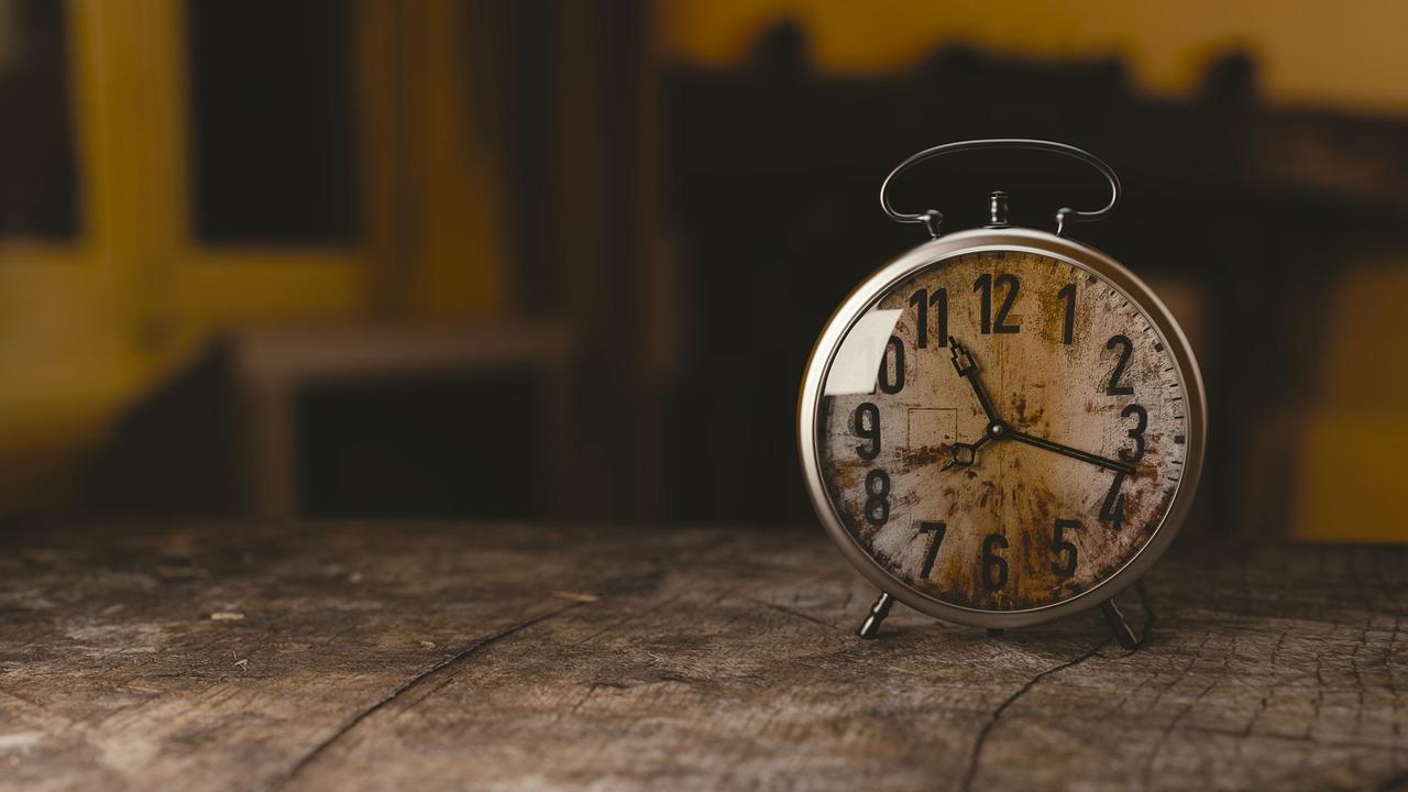 お酒買取で高く売るコツ:早く売る 時計