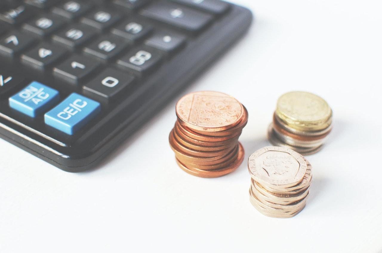節約しないで貯金を増やすコツとお金が貯まるおすすめサービス